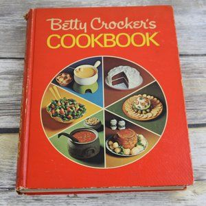 1972 Betty Crockers Cookbook Red Pie 16th Printing